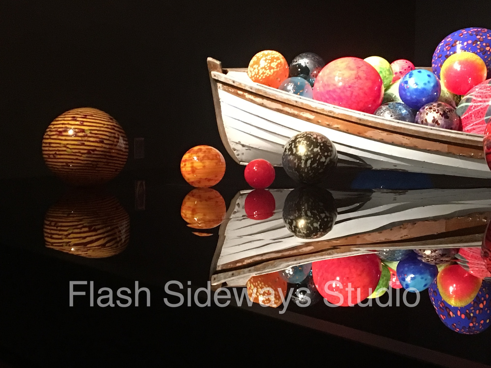 Chihuly-Boat-WM